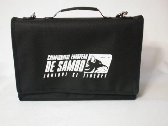 Geanta pentru antrenor neagra cu personalizare alba
