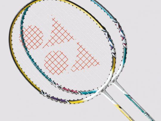 Racheta badminton YONEX MP2 in 2 versiuni de culori