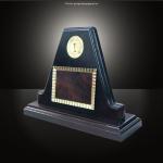 Trofeul TR16 personalizat
