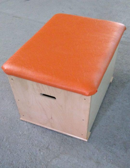 ladita gimnastica cu tapiterie portocalie