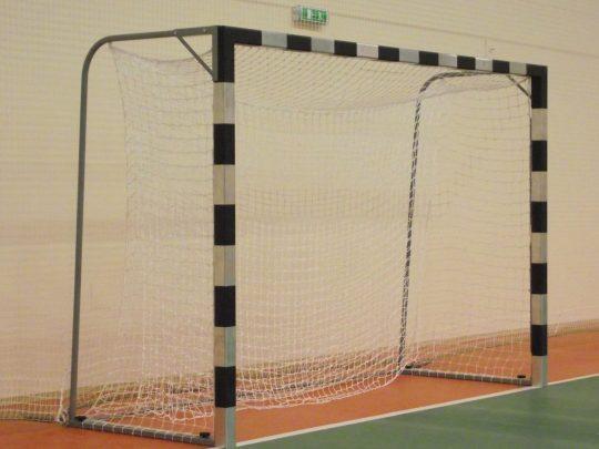 Poarta handbal otel fixare pe teren cu plasa
