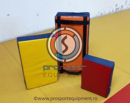 scut rugby cele 3 dimensiuni, diverse combinatii de culori