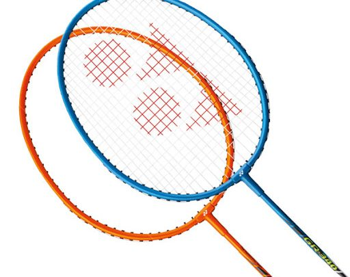 racheta badminton yonex gr360 in 2 versiuni de culori