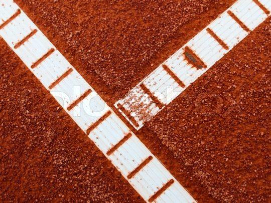 Linii demarcatie teren tenis montate in teren