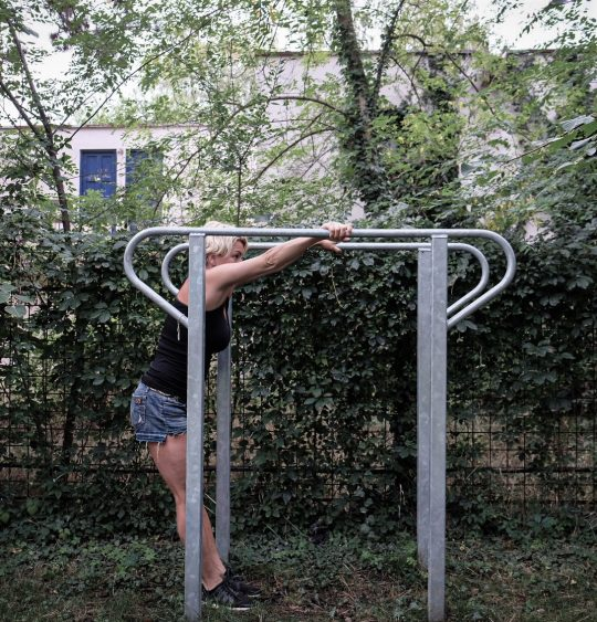 paralele inalte folosite in antrenament afara