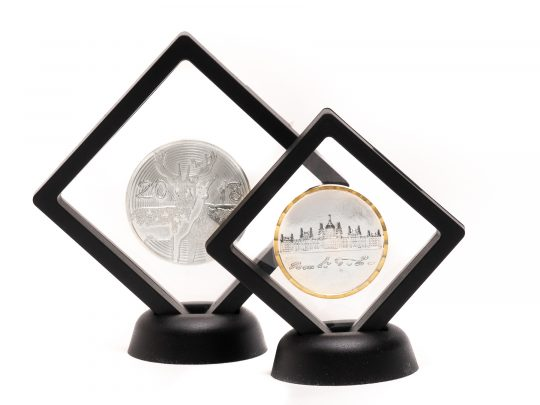 Cutia medalie D33 disponibila in 2 marimi