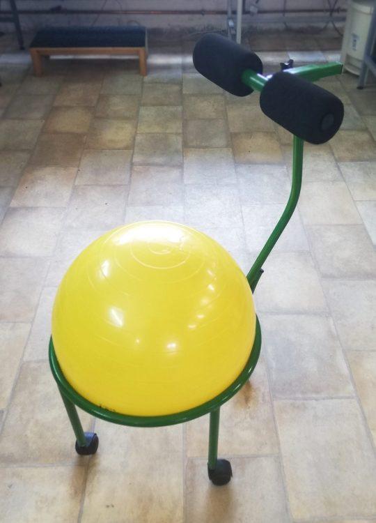 scaun ergonomic cu minge galbena